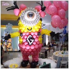 "Decor&Festa • Mari Mangione on Instagram: ""Geeente!! Que fofura essa escultura de balões 💗 Minions 💗 #Repost @meninasdatetto Escultura de balões! Minions... 💕 by @projetabaloes…"" Minion Balloons, Balloon Cartoon, Balloon Crafts, Balloon Decorations, Balloon Ideas, Minion Theme, Minion Birthday, Despicable Me Party, Minion Party"