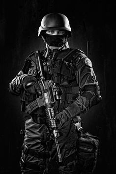 Airsoft hub is a social network that connects people with a passion for airsoft. Talk about the latest airsoft guns, tactical gear or simply share with others on this network Swat Police, Police Officer, Police Cars, Military Gear, Military Police, Military Humor, Usmc, Airsoft, Ghost Soldiers