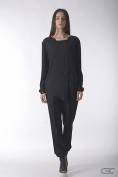 Crepe Black Collar asynmetric black shirt and black loose pants. Check out the online shop for details. Loose Pants, Fall Winter 2014, Normcore, Crop Tops, Check, Shirts, Clothes, Shopping, Collection