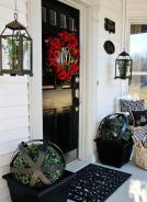 Farmhouse porch a part of your house, so we must make it seem homely too. Before you go for any wooden fence design, there are specific points to be considered. A grand ranch style homes front porch designs can be accomplished by including a modern appear Decor, Modern Farmhouse Porch, Farmhouse Porch, Front Porch Decorating, Entrance Decor, Farmhouse Front Porches, First Apartment Decorating, Front Porch Design, Porch Decorating