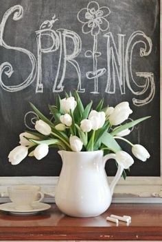 Spring chalkboard and a white tulip bouquet. LOVE the white tulips! Spring Is Coming, Spring Is Here, Hello Spring, Spring Day, Spring Fever, Happy Spring, Spring 2015, May Flowers, Spring Flowers