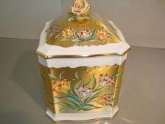 Spectacular tea box Tea Box, Tea Caddy, Tins, Trinket Boxes, Tea Time, Balls, Porcelain, Chocolate, Tableware