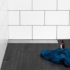 Golvbrunn Blücher Drain Stockholm Mot Vägg inkl Montageset - Golvbrunnar - Avlopp Inomhus Stockholm, Bath Mat, Tile Floor, Flooring, Contemporary, Rugs, Bathroom, Design, Home Decor