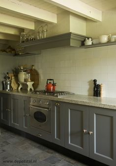 keuken landelijke stijl accessoires en verf van Pure and Original verkrijgbaar bij De Potstal in Valburg