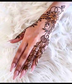 Henna Designs Back, Pretty Henna Designs, Modern Henna Designs, Latest Henna Designs, Henna Tattoo Designs Simple, Floral Henna Designs, Arabic Henna Designs, Mehndi Designs For Beginners, Mehndi Art Designs