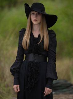 Zoe (Taissa Farmiga) - American Horror Story