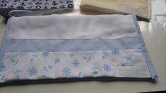 Fraldinhas de boca com barrado em tecido 100% algodão.