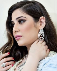 Baby Girl Drawing, Beautiful Housewife, Photoshoot Pose Boy, Egyptian Actress, Turkish Beauty, Beauty Full Girl, Beautiful Indian Actress, Indian Actresses, Chain