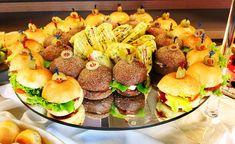 mini sanduíches - ideias dicas festa aniversário sem doce, festa só com salgados