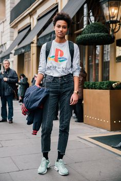 MARIA BAILEY - See what the models are wearing off duty!