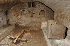 Family discover 'ancient chapel' hidden under their house for 100 years Hidden House, Hidden Rooms, Cellar Conversion, Creepy Houses, Metal Grid, Unexplained Mysteries, Mystery Of History, Secret Rooms, Ancient Architecture