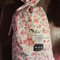 Sac de rangement pour habits de poupées 59 x33 cm, en coton doublé rose