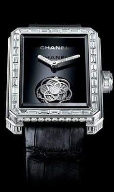 Chanel Camelia' Tourbillon Caliber All I want is a BEAUTIFUL watch. Coco Chanel, Chanel Black, Chanel Watch, Tourbillon Watch, Bijoux Art Deco, Timex Watches, Women's Watches, Diamond Watches, Bling