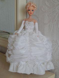 Girls Dresses, Flower Girl Dresses, Bride Dolls, Sewing Tutorials, Wedding Dresses, Fashion, Fashion Dolls, Wedding Bride, Dresses Of Girls