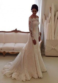 A-Line/Princess Scalloped Neck Court Train Lace Wedding Dresses With Appliqued Lace (S10105608)