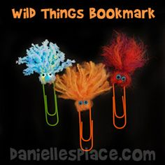 Wild About Learning Paper Clip Bookmarks from www.daniellesplac 2019 Wild About Learning Paper Clip Bookmarks from www.daniellesplac The post Wild About Learning Paper Clip Bookmarks from www.daniellesplac 2019 appeared first on Yarn ideas. Paperclip Crafts, Paperclip Bookmarks, Crochet Bookmarks, Yarn Projects, Projects For Kids, Arts And Crafts, Paper Crafts, Diy Crafts, Yarn Crafts Kids