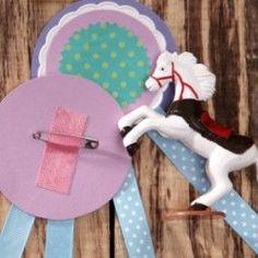 Reitabzeichen auf dem Pferdegeburtstag