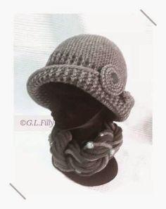 una cloche e il suo scaldacollo Chunky Crochet Hat, Crochet Turban, Crochet Hat With Brim, Crochet Winter Hats, Knitted Hats, Knit Crochet, Crochet Hats, Shawl Patterns, Crochet Patterns