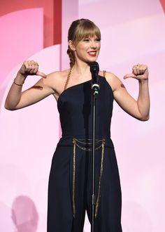 Photo of Taylor Swift Spilled So Much Tea in Her Billboard Acceptance Speech, My Mug's Overflowing Taylor Swift News, Photos Of Taylor Swift, Taylor Swift Music, Taylor Alison Swift, Taylor Swift Birthday, Billboard Women In Music, Acceptance Speech, L'oréal Paris, Celebs