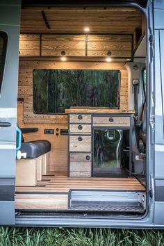 Camping Tips For Families – All You Need For Family Camping Vw Lt Camper, Camper Life, Campers, Kangoo Camper, Sprinter Camper, Van Conversion Interior, Camper Van Conversion Diy, Trailers, Transit Camper