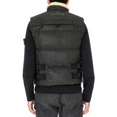 School Fashion, Men's Fashion, Puffer Jackets, Winter Jackets, Bulletproof Vest, School Style, Future Fashion, Vest Jacket, Canada Goose Jackets
