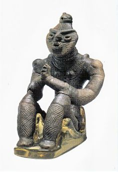 Gassyo Dogu Japan,Hachinohe 1500BC http://www.bell.jp/pancho/k_diary-3/2010_0114.htm  compare to South American bumpy shouldered figures