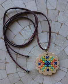 Colar Mandala Ponto Cruz em Madeira - 15444693 | enjoei :p