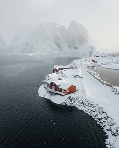upknorth: Spring weather playing hard to get in the Lofoten Islands. Epic shot by (at Lofoten Islands Norway) upknorth: Spring weather playing hard to get in the Lofoten Islands. Epic shot by (at Lofoten Islands Norway) Winter Szenen, Norway Winter, Winter Cabin, Places To Travel, Places To See, Travel Destinations, Lofoten Islands Norway, Best Ski Resorts, Slow Travel