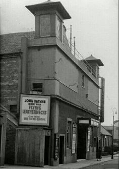 Bank Street- Old cinema, now a Weatherspoon's pub- 'The Carron Works'