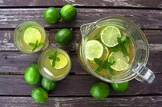 Groene thee zit vol antioxidanten. Dit drankje is echt een wondermiddel! Daarom 15 ongewone manieren om groene thee te gebruiken.