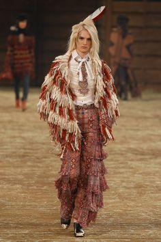 La colección #CHANELDALLAS de los Métiers d'Art para Chanel Pre-Fall 2014