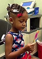 Little Girl Hears For The First Time People For People, British Things, Extraordinary People, Happy Love, Funny Things, Funny Stuff, Random Stuff, Trending Memes, Make Me Smile