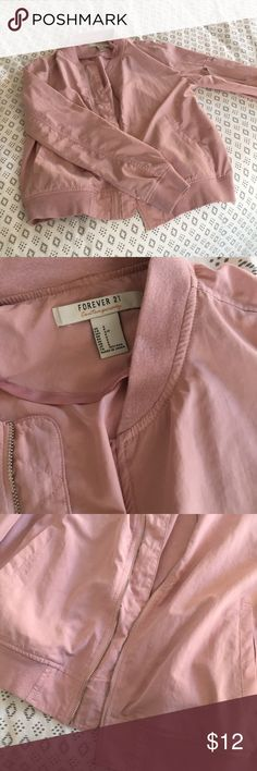 Forever 21 bomber jacket Great condition! Very lightweight  Bundle and save ❤️❤️ Forever 21 Jackets & Coats