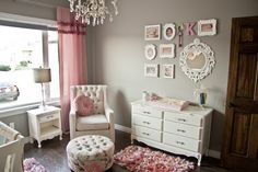 Such a pretty vintage-style gallery wall in this neutral and #pink #nursery.  #vintage #gallerywall