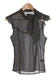 Pinpoint of View Top. Unsure about assembling a look around a uniquely designed blouse? #black #modcloth