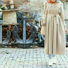 Hijab Dress Party, Hijab Style Dress, Casual Hijab Outfit, Hijab Chic, Modern Hijab Fashion, Muslim Fashion, Trendy Dresses, Fashion Dresses, Modele Hijab