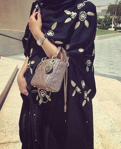 IG: Sadiemcollections || Modern Abaya Fashion || IG: Beautiifulinblack || tumblr: beautiifulinblack ||