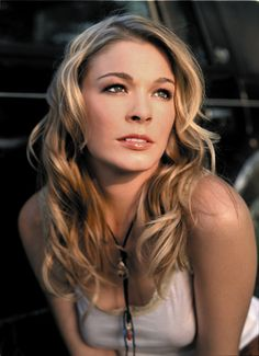 LeAnn Rimes - Give - Watch video here: http://dailycountryvideos.com/2011/12/19/leann-rimes-give/