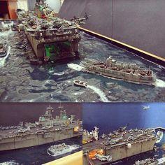 Beautiful!!! USS WASP LHD 1 1/350 diorama by Master Modeler Louis Carabott #scalemodel #scalemodelsworld #plasticmodel #plastimodelo #diorama #plastimodelismo #hobby #miniatura #miniatur #maqueta #maquette #plastickits #usinadoskits #udk #passatempo #tiempolibre