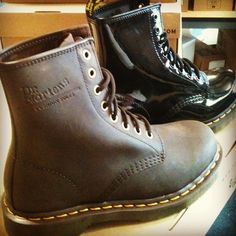Another two new #drmartens, gaucho crazy horse & patent lamper black. #1460 #8eyeboot #gobritain