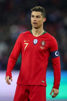 ZURICH, SWITZERLAND - MARCH Cristiano Ronaldo of Portugal during the International Friendly match between Portugal and Egypt at Stadion Letzigrund on March 2018 in Zurich, Switzerland. (Photo by Robbie Jay Barratt - AMA/Getty Images) Soccer Stars, Football Soccer, Cristiano Ronaldo Wallpapers, Andrew Garfield, Football Players, Egypt, Portugal, Athlete, Mens Tops