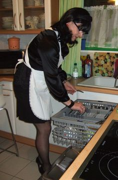Me dressed as a house maid doing the dishes at a friended couple´s house Feminized Husband, House Maid, Sissy Maids, French Maid, Maid Dress, Modern Man, Aprons, Crossdressers, Fun Things