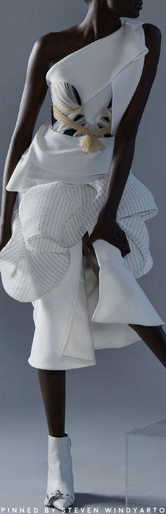 Maticevski Spring 2021 Lookbook - Pivot Top #spring2021 #ss21 #womenswear #tonimatičevski