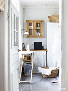 home laundry (via desire to inspire - TGIF!)