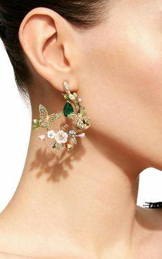 Butterfly Garland Earrings - new season bijouterie Cute Jewelry, Bridal Jewelry, Jewelry Accessories, Jewelry Design, Women Jewelry, Fashion Jewelry, Bridal Earrings, Jewelry Rings, Vintage Jewelry