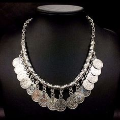 Stylish Coin Shape Necklace