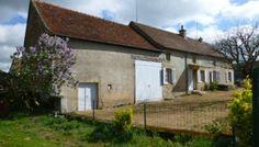 Brionnais, zwischen Charolles und La Clayette, Bauernhaus auf einem Grundstück von 1360 qm. Gehäuse enthält im Erdgeschoss ein Wohnzimmer mit Kamin und Decke, die Franzosen, eine Küche, 2 Schlafzimmer, Duschbad mit wc. Scheune und angrenzenden Stallungen.   REF 14467 Preis 80.000 Euros http://www.hdmedia.fr/visite-virtuelle/hd/cbp7gpHzj-14467.html www.devin-immobilier.com