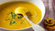 Soupe de lentilles corail au curry - Recettes Discover the recipe Coral lentil soup with curry on ac Veggie Recipes, Indian Food Recipes, Soup Recipes, Vegetarian Recipes, Cooking Recipes, Healthy Recipes, Lentil Recipes, Indian Foods, Vegetarian Curry