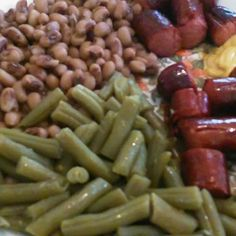 Hey yo its me jeremiah jerry bernard the one only me my dinner tonite hot dogs blacked eyed peas green beans how u doing too my family friends followers my haters 💘 love me iam praying for u Godbless