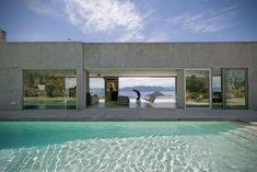 Una casa con vista sull'Egeo ad Egina in Grecia1